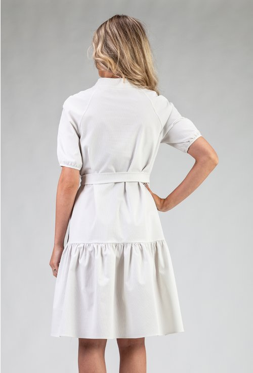 Rochie ampla cu cordon si maneca usor bufanta
