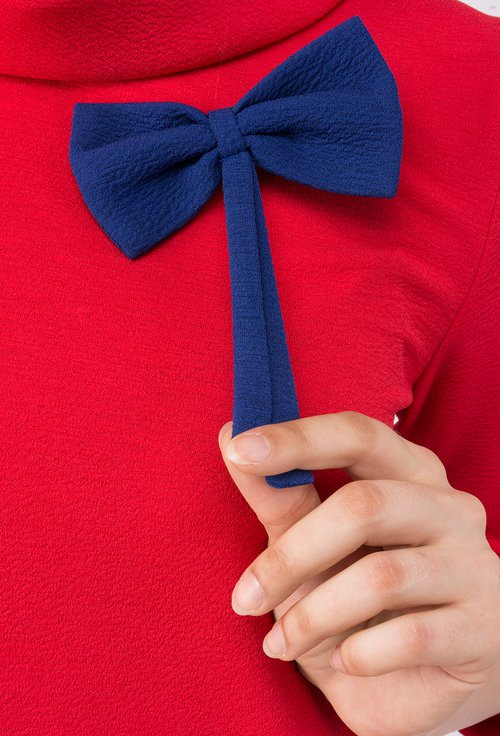 Rochie de zi rosie cu funda albastra Elia