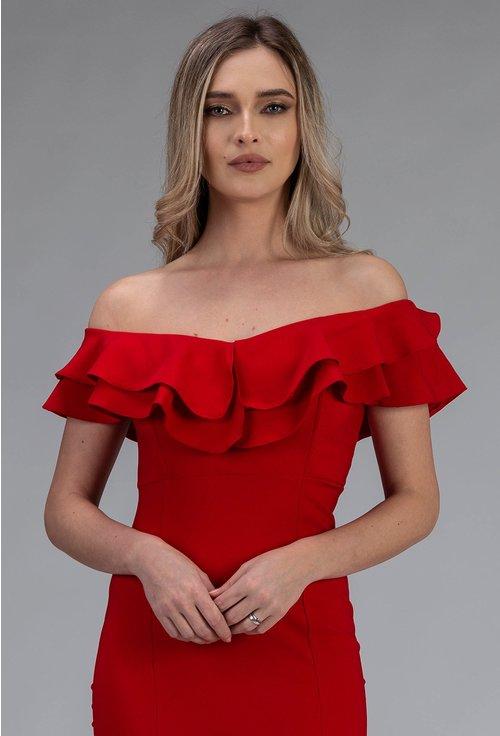 Rochie lunga rosie cu volan si crapatura