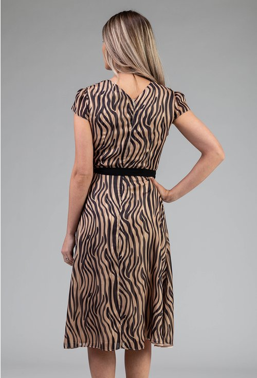 Rochie maro vaporoasa cu imprimeu abstract