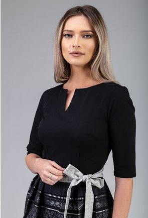 Rochie neagra cu detalii argintii si buzunare