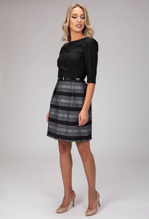 Rochie neagra cu dungi gri cu negru in partea de jos