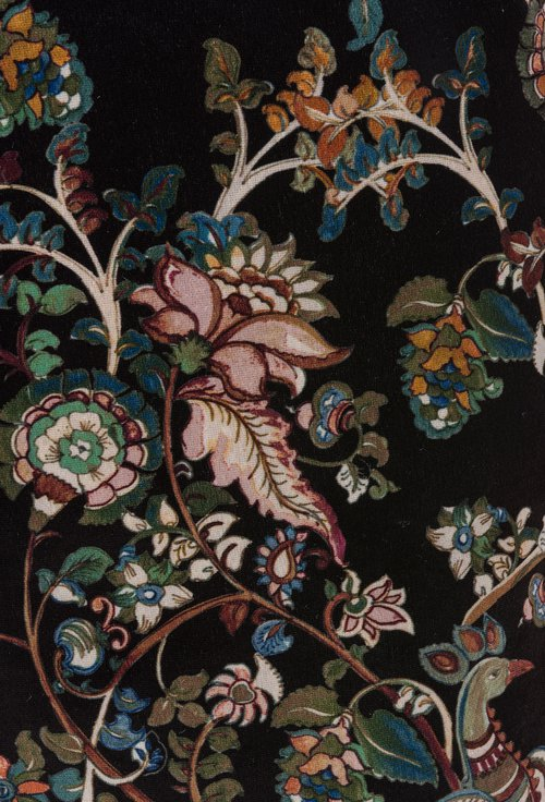 Rochie neagra din catifea cu imprimeu floral colorat Tina