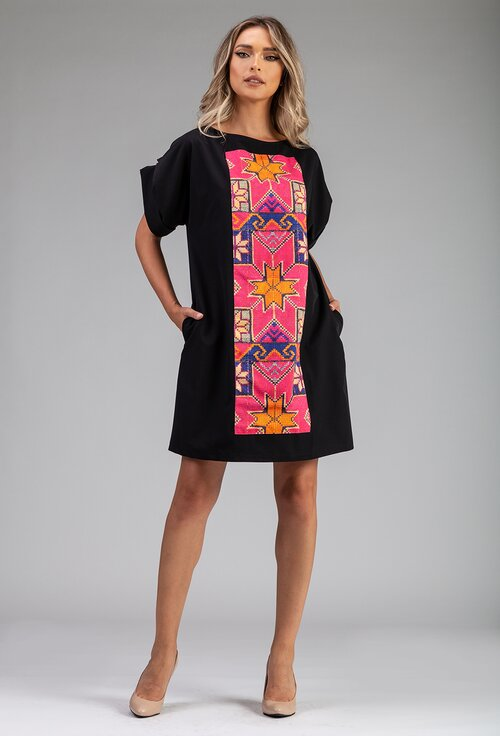 Rochie oversize neagra cu model traditional