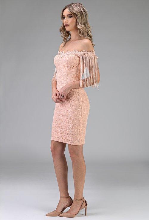 Rochie roz pudra din dantela cu franjuri