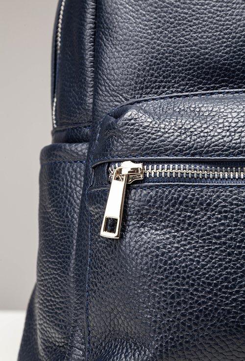 Rucsac bleumarin inchis din piele texturata