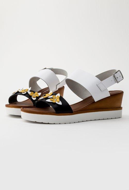 Sandale albe din piele naturala cu platforma Flower