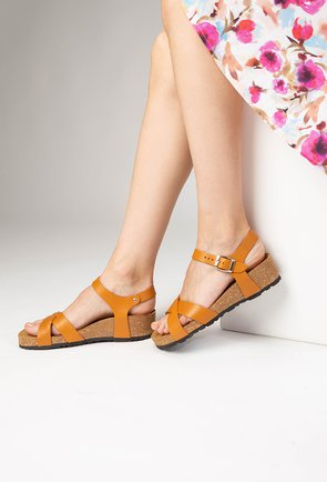 Sandale camel din piele naturala Danielle