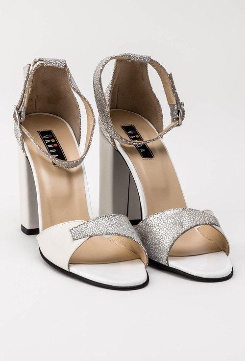 Sandale nuanta alb nature cu inseratii argintii din piele naturala Lily