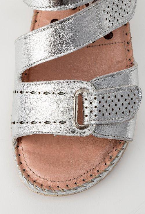 Sandale nuanta argintiu metalizat din piele naturala Nory