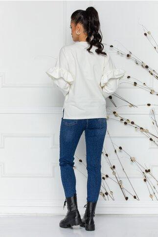 Blugi Adriana albastri cu aspect prespalat si zgarieturi discrete
