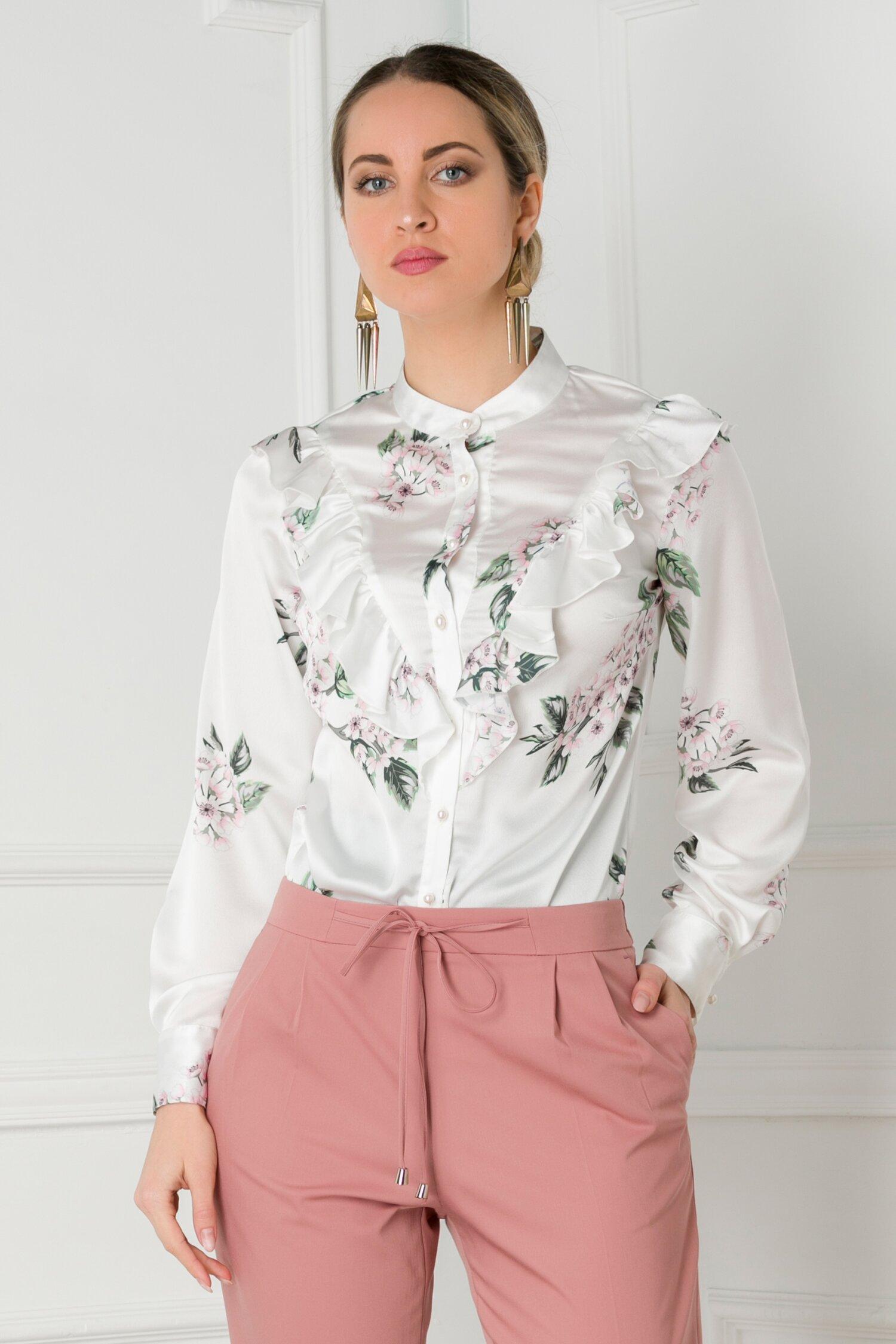 Bluza alba cu imprimeuri florale si volanase la bust