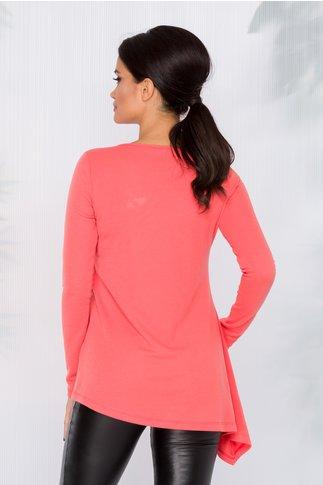 Bluza Beeca corai cu un colt pe o parte si aplicatie cu margelute