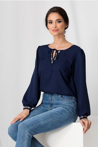 Bluza Bella bleumarin cu broderie discreta la decolteu si maneci