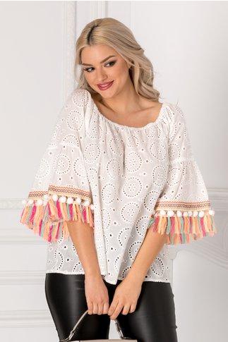 Bluza Bety alba cu aplicatii colorate la maneci