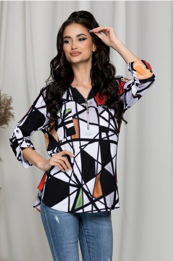 Bluza Carina alba cu imprimeuri geometrice verzi si maro
