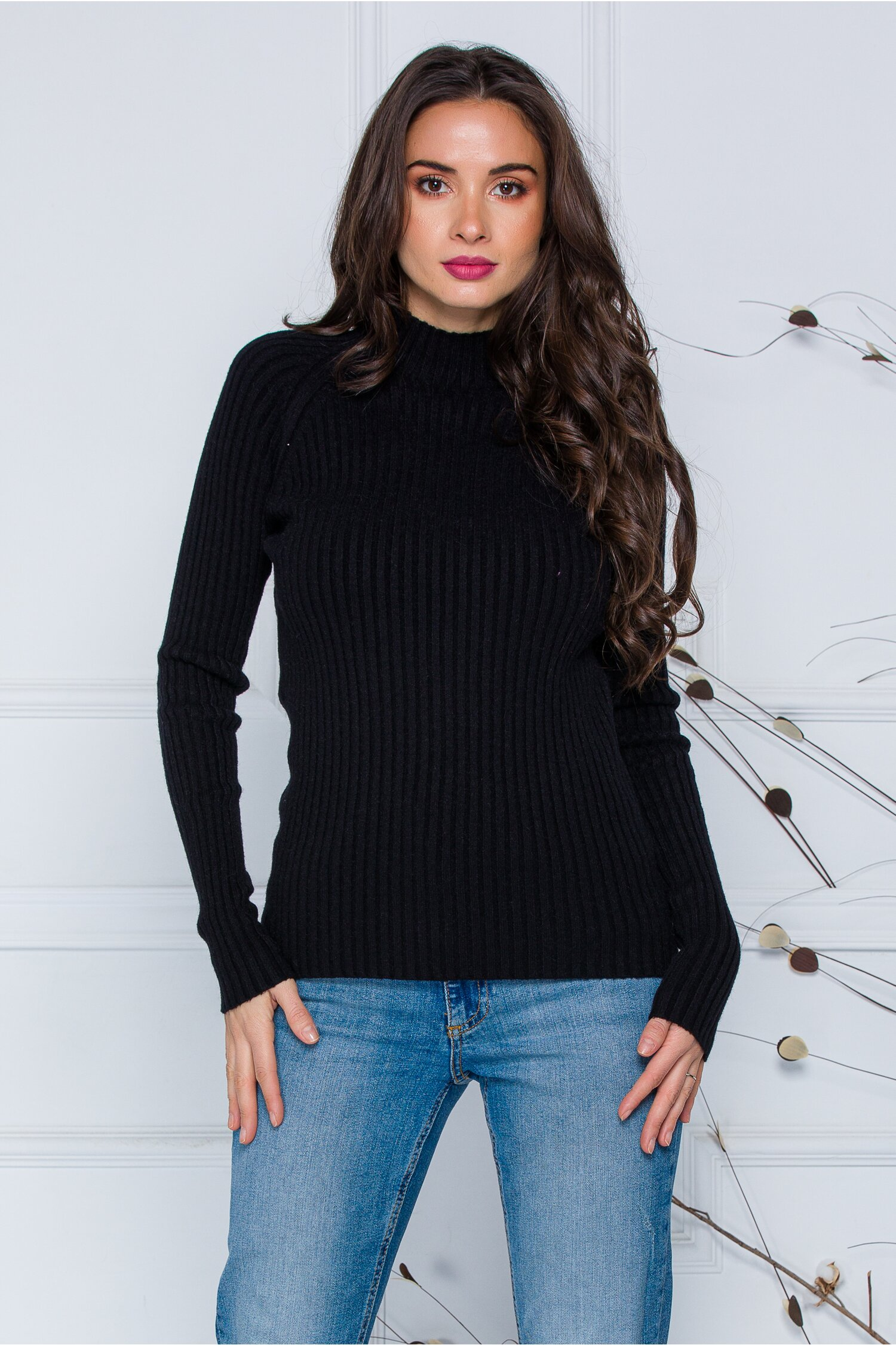 Bluza Daria neagra din tricot reiat imagine