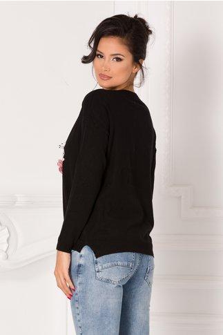 Bluza Denisa neagra cu imprimeu pe fata si flori 3D
