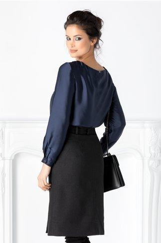 Bluza Doria bleumarin cu imprimeu pe fata