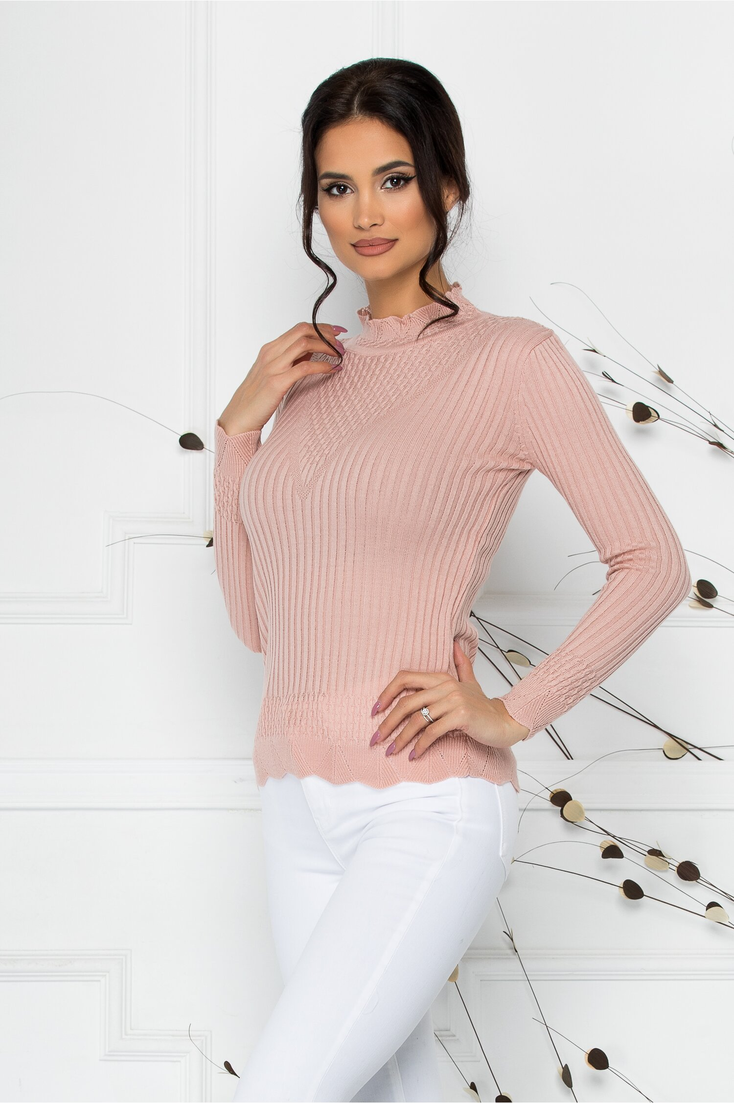 Bluza Felicia roz cu impletituri la guler