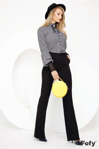 Bluza Fofy cu imprimeu picior de cocos dantela la maneci si brosa inclusa