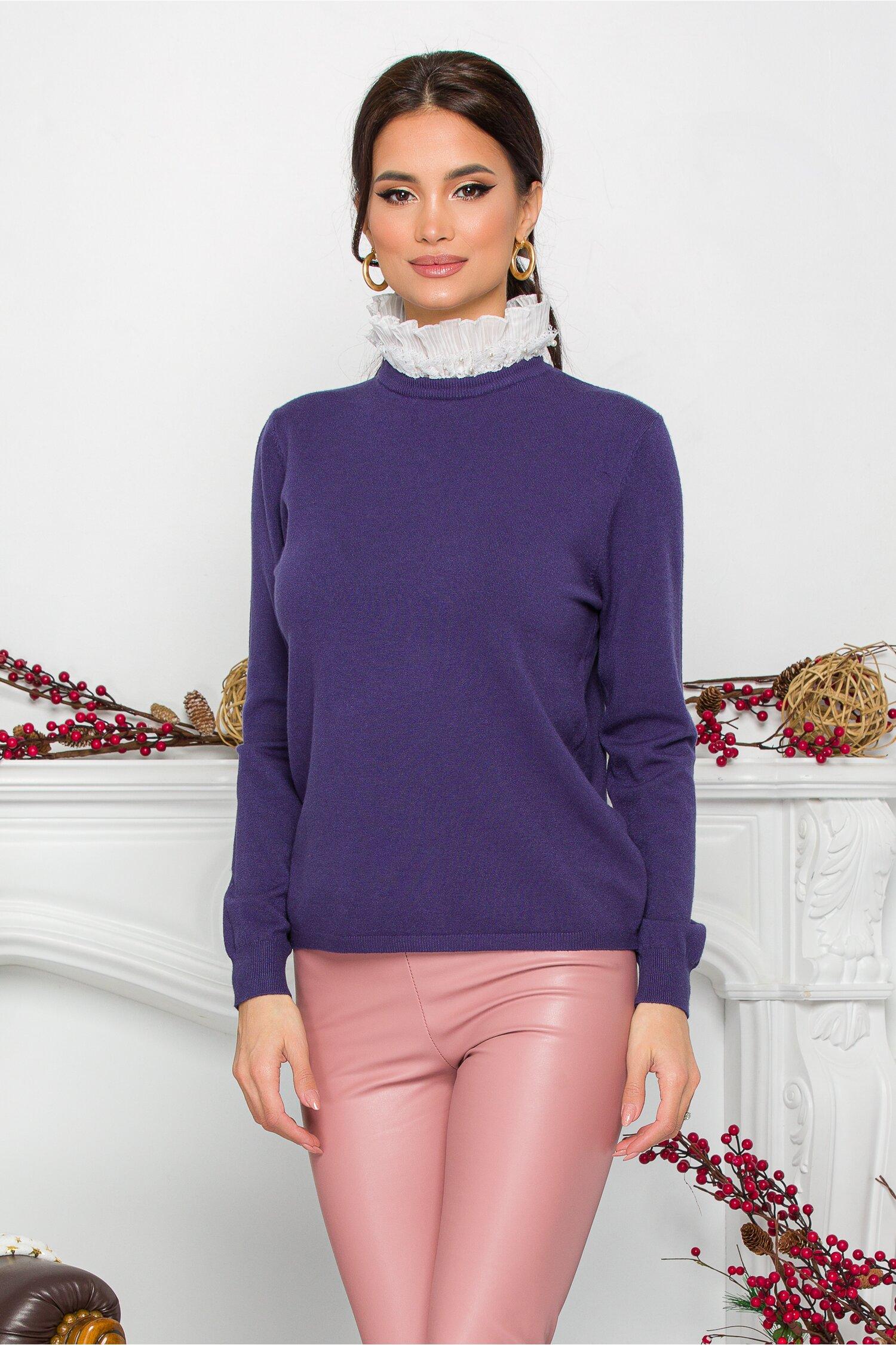 Bluza Gizela bleumarin cu guler accesorizat cu perlute