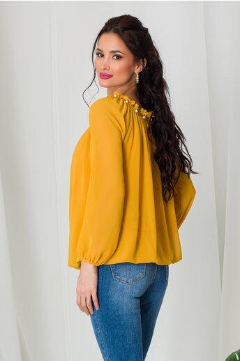 Bluza Kari galben mustar din voal cu perlute la decolteu
