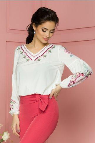 Bluza Katinca alba cu imprimeu floral pixelat in nuante de roz