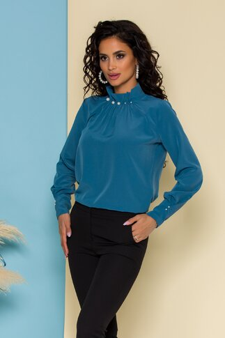 Bluza LaDonna albastru petrol cu guler inalt accesorizat cu perle