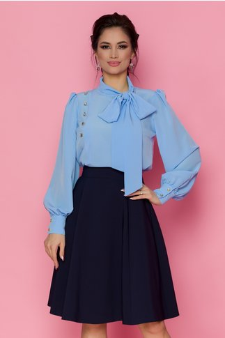 Bluza LaDonna bleu cu detaliu stil esarfa la guler si nasturi decorativi tip bijuterie