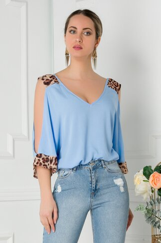 Bluza LaDonna bleu cu insertii animal print si umeri decupati