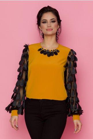 Bluza LaDonna galben mustar cu maneci lungi din tull cu aplicatii 3D tip petale