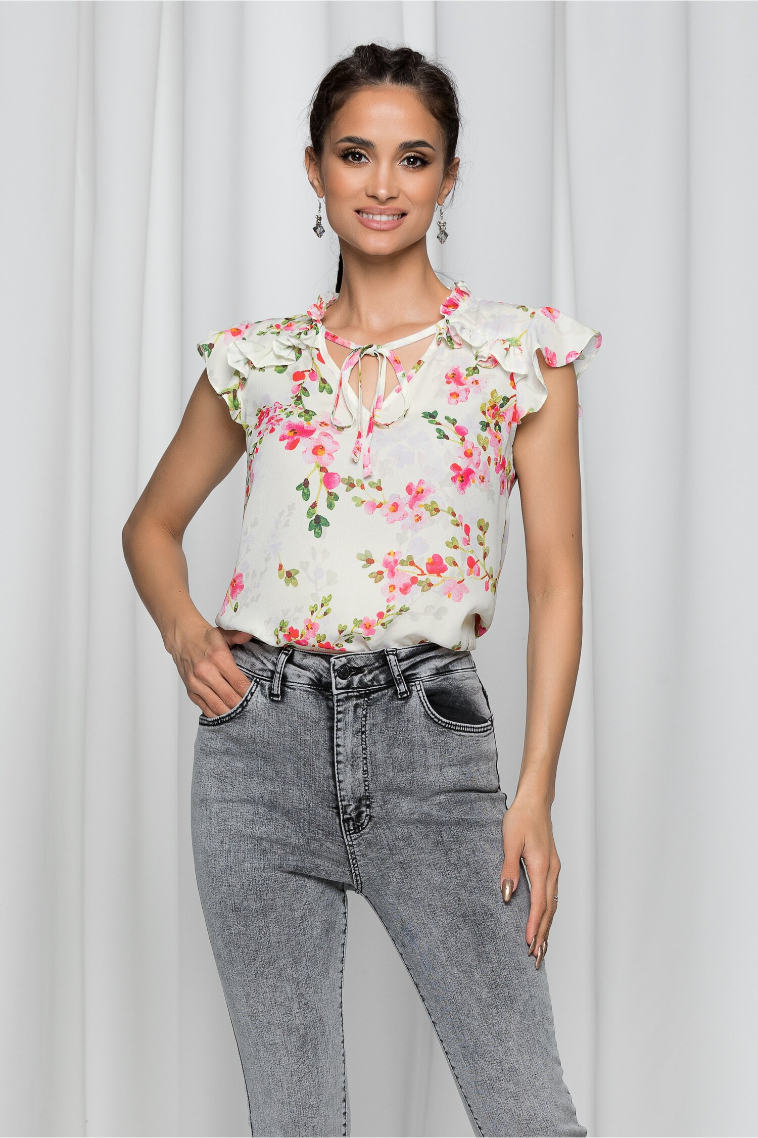 Bluza LaDonna ivory cu volanas si imprimeu floral