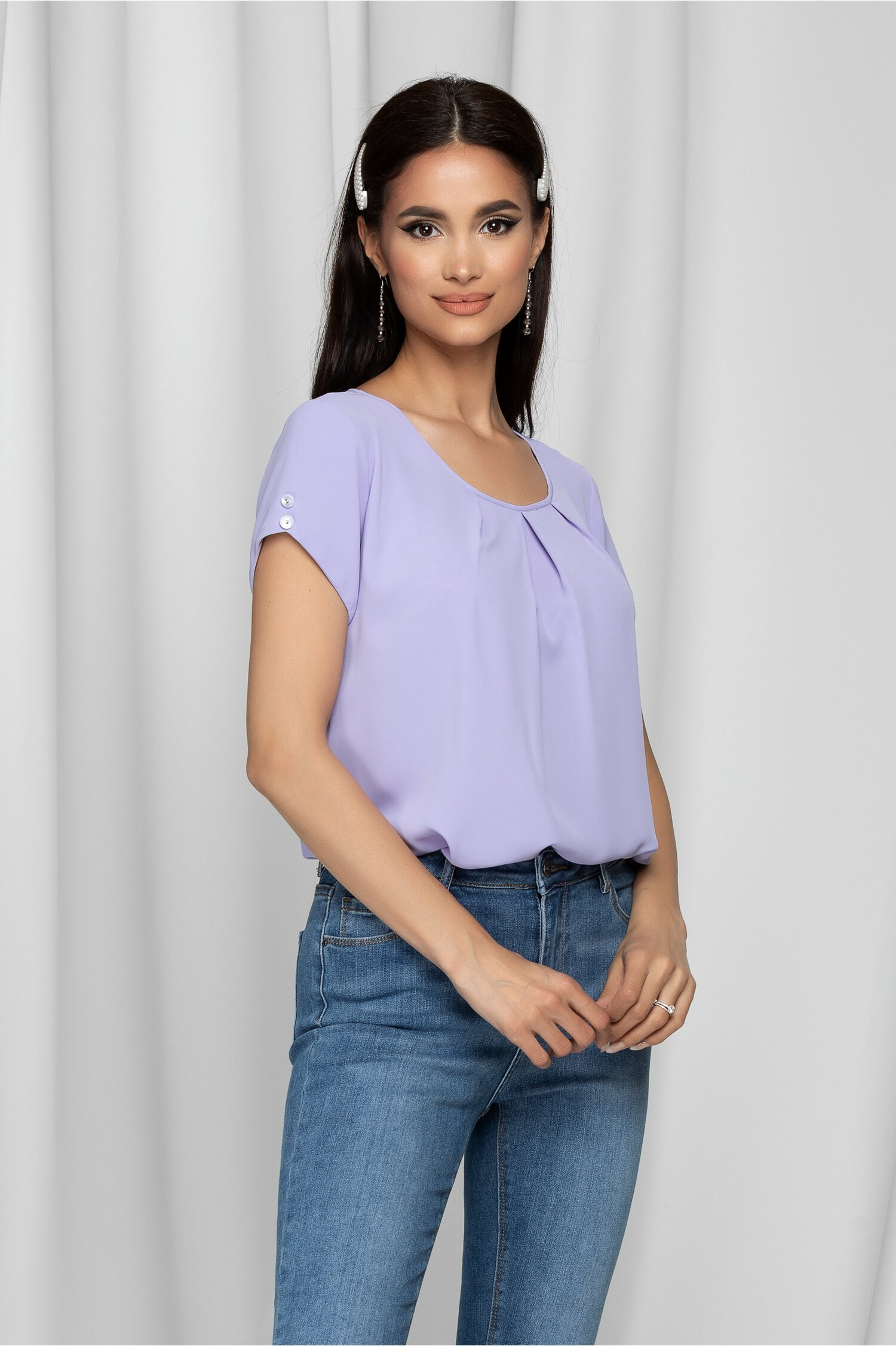 Bluza LaDonna lila cu pliuri la bust si nasturi decorativi pe maneci