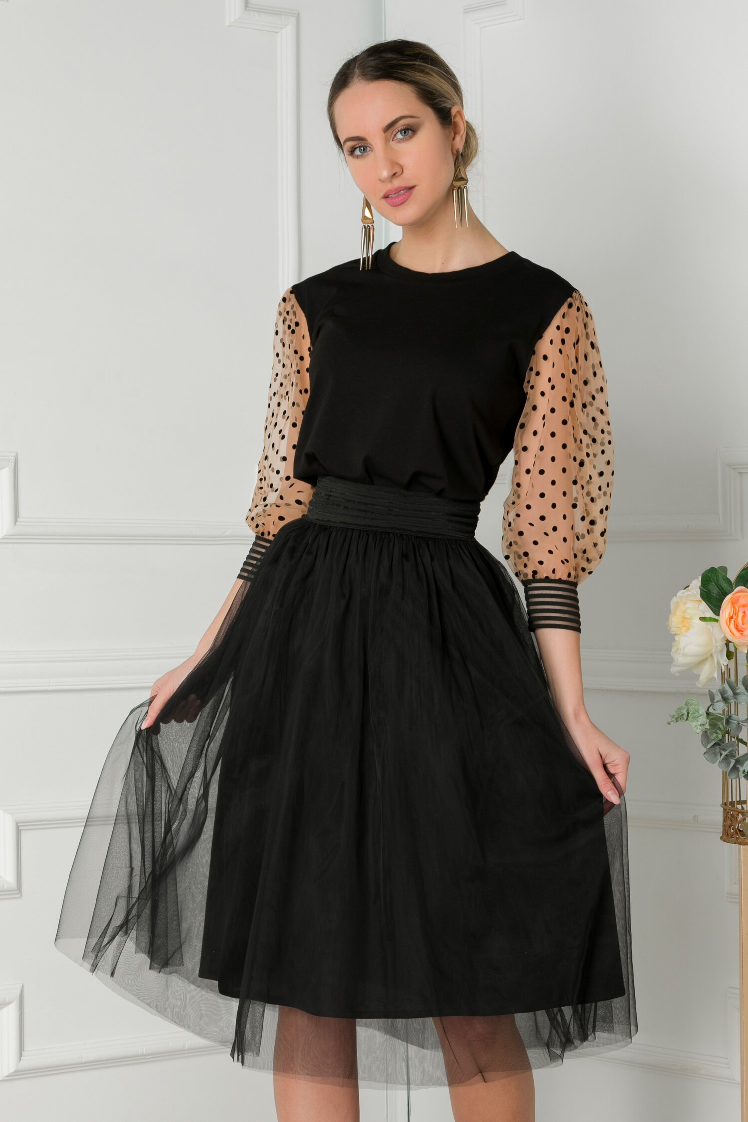 Bluza LaDonna neagra cu maneci din tull cu buline