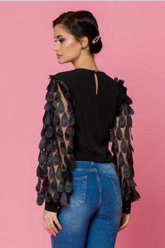 Bluza LaDonna neagra cu maneci lungi din tull cu aplicatii 3D tip petale