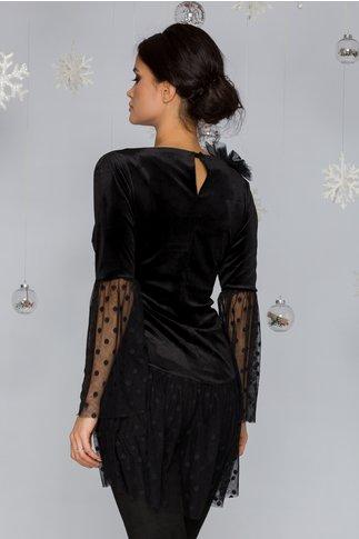 Bluza LaDonna neagra din catifea cu accente din dantela si aplicatie din tull in zona bustului