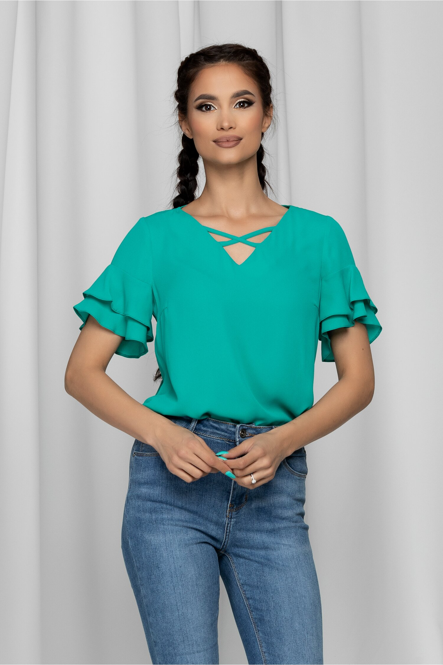 Bluza LaDonna verde cu decolteu in v si volane la maneci