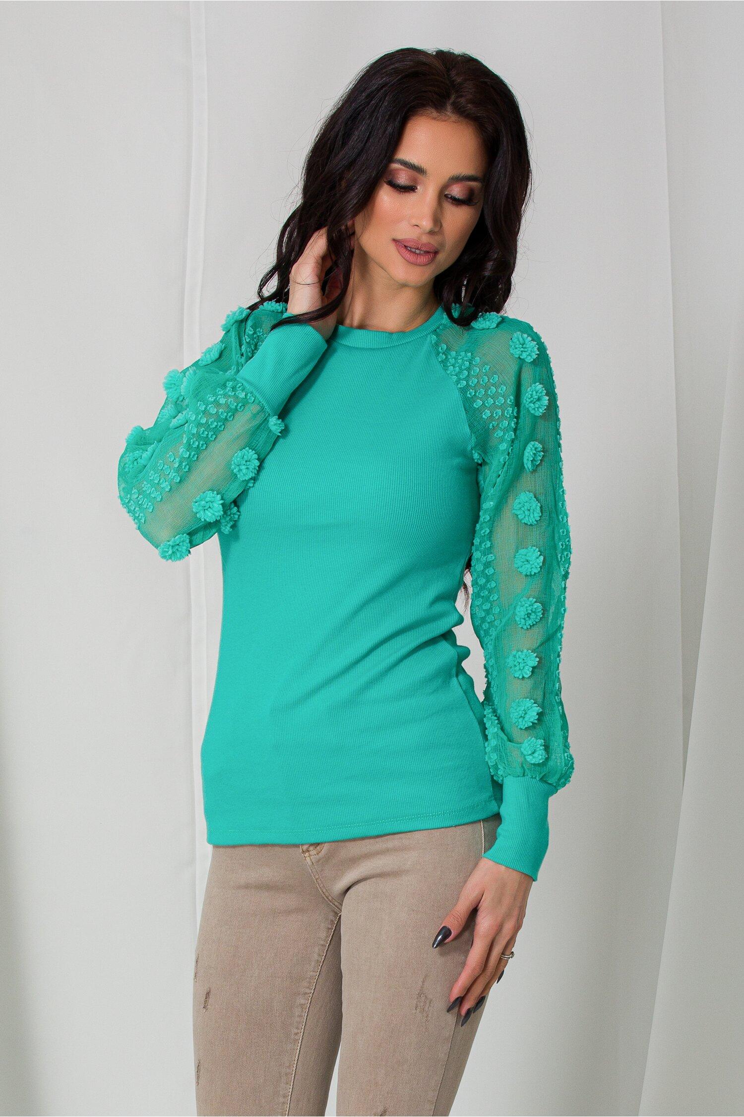Bluza Melina verde mint cu insertii 3D pe maneci