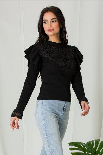 Bluza Melli neagra cu dantela la bust si volane la umeri