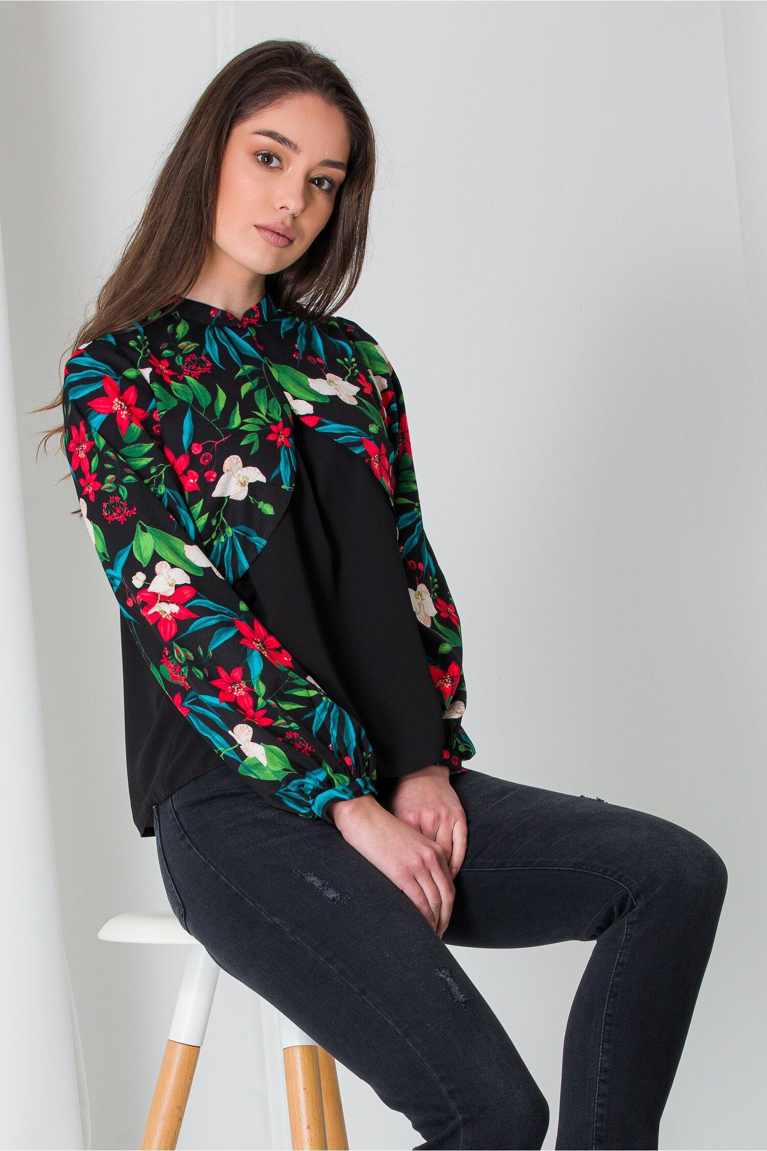 Bluza Moze neagra cu print floral