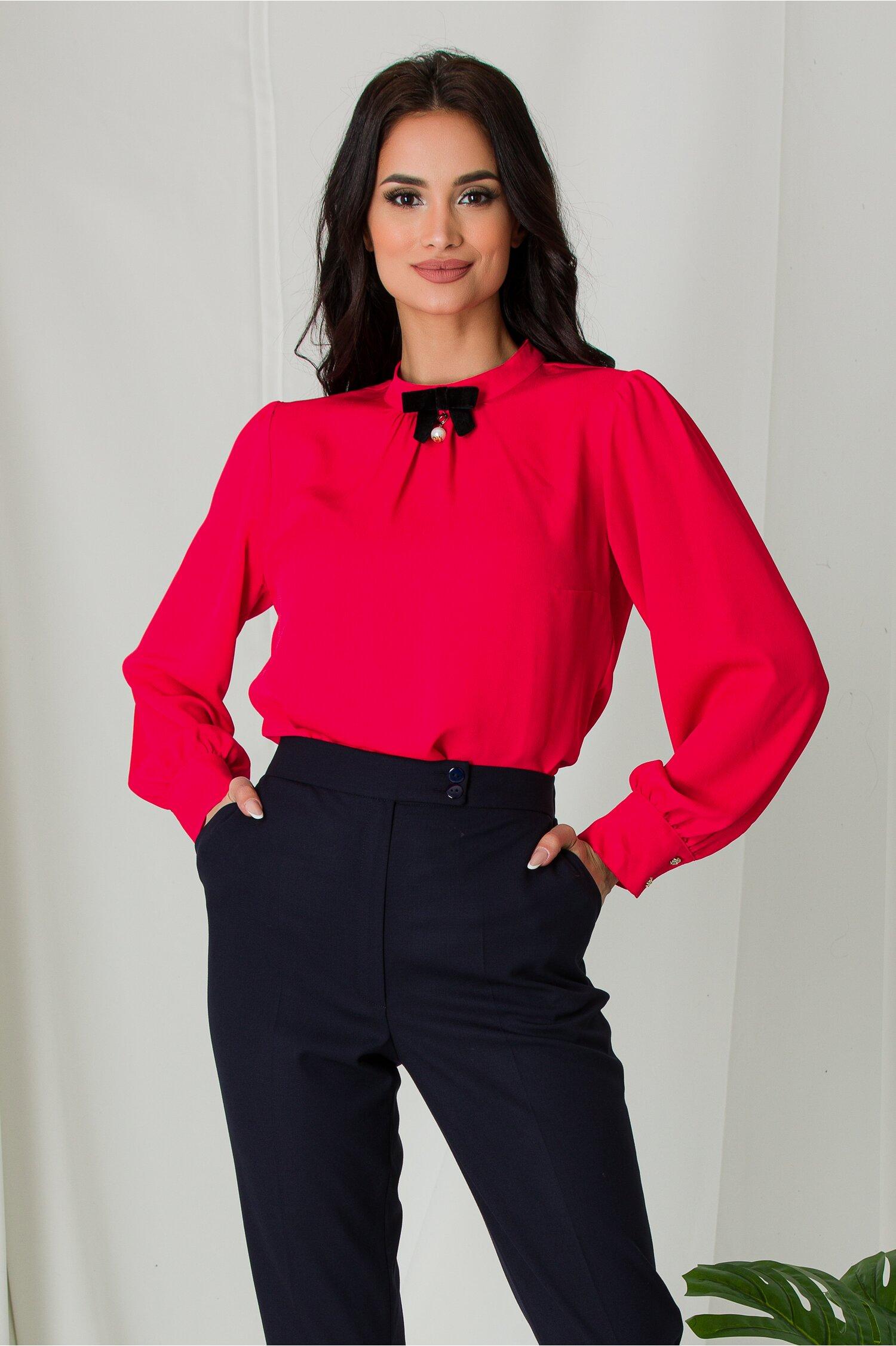 Bluza Naty rosie cu pliuri si fundita la guler