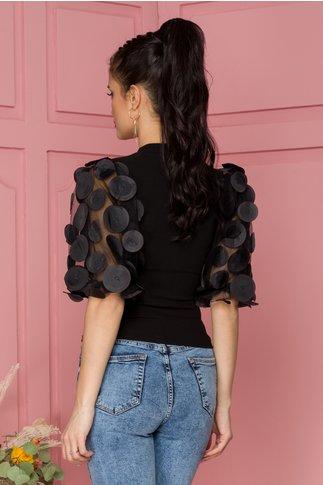Bluza Oxana neagra cu maneci bufante accesoriate cu aplicatii 3D