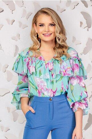 Bluza Pretty Girl verde cu imprimeu floral si volane