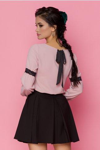 Bluza Reina roz pudrat si insertii din dantela