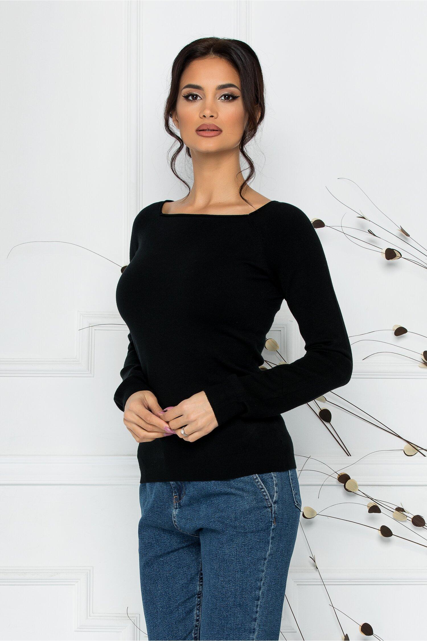 Bluza Sabrina neagra cu decolteu oval
