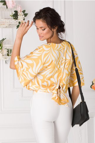 Bluza Sunny galbena cu imprimeuri albe si decolteu petrecut