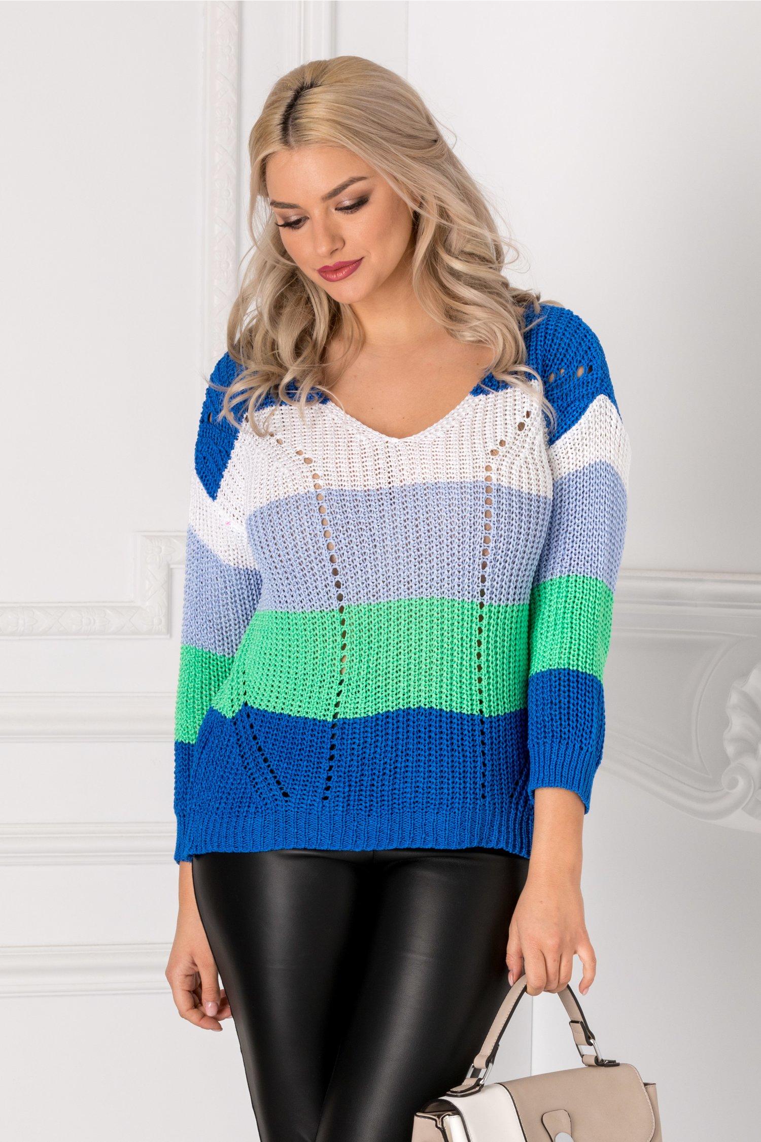 Bluza tricotata albastra cu dungi colorate