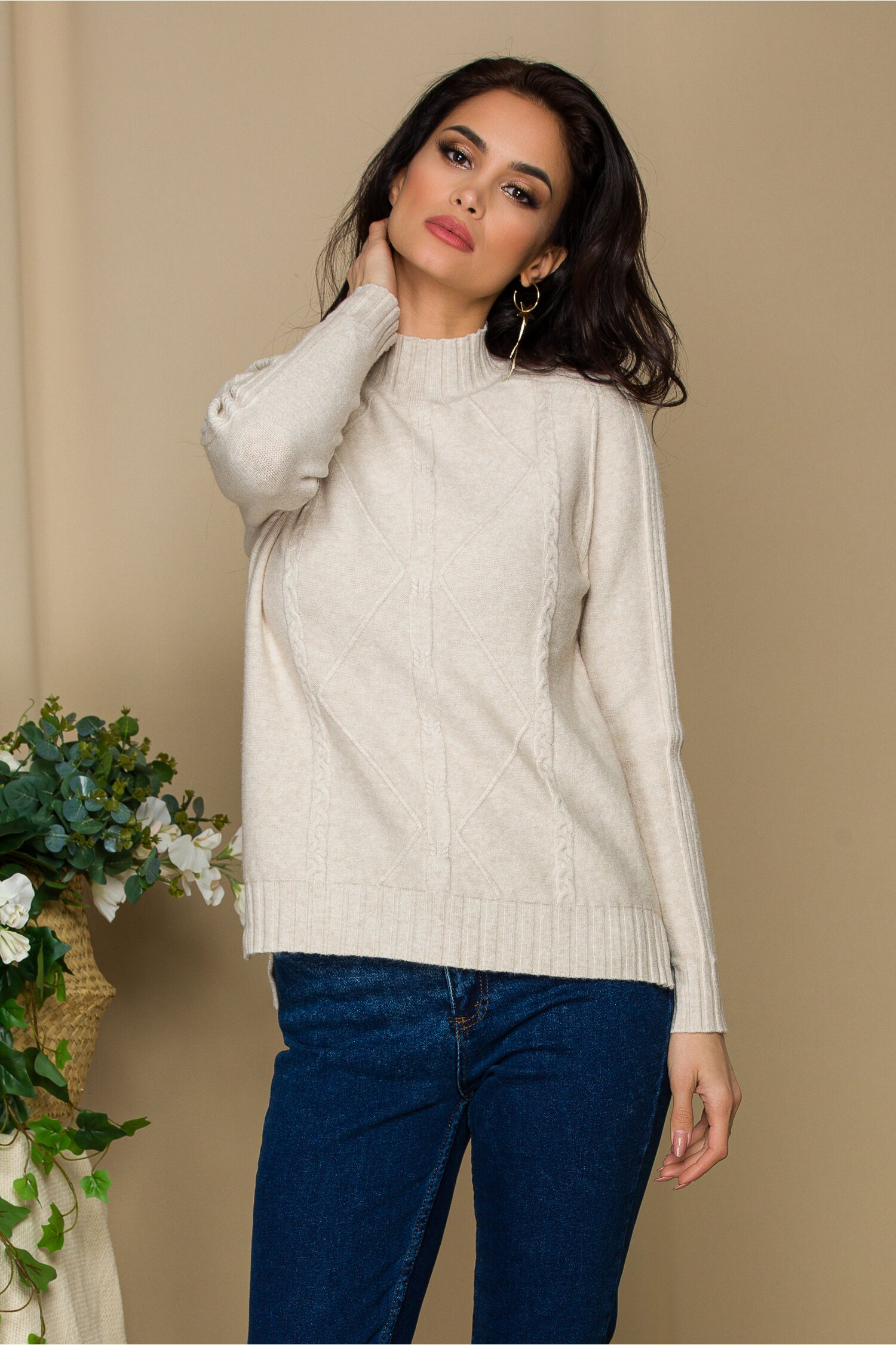 Bluza Vera ivory din tricot cu model geometric