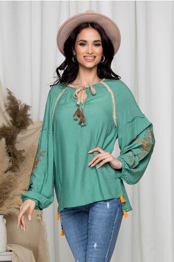 Bluza Vera verde cu broderie